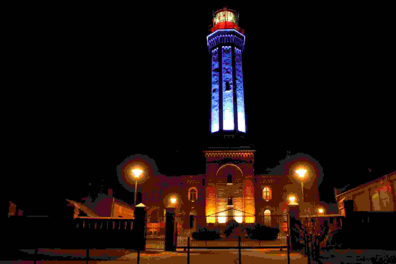 Ostseebad Niechorze Leuchtturm bei Nacht