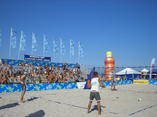 Volleyballturnier am Ostseestrand